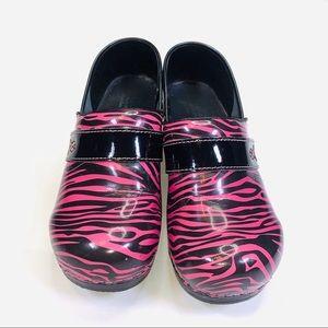 SANITA Health Care SHOES Pink Ribbon Tiger Stripe